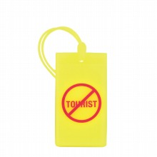 ≪F1 Icon Rubber Tag Not a Tourist≫ ラゲージタグ スーツケースタグ イエロー / 50102-13